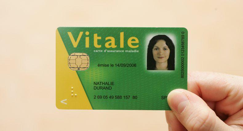 Carte Vitale Photo.Medecins Du Monde Une Carte Vitale Pour Tous